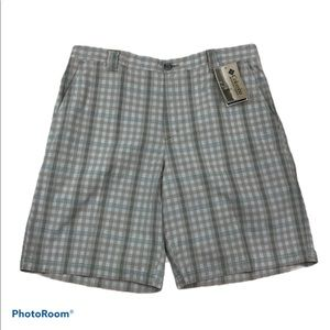"""Columbia 10"""" inseam pocketed front zip shorts"""